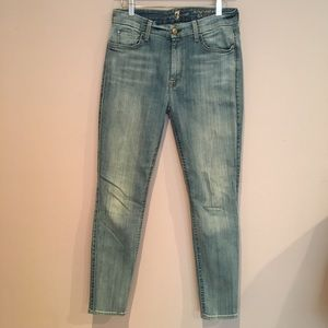 7 for all Mankind Hi-Rise Ankle Skinny.  SZ. 29